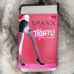 SPANX Micro Fishnet Tights in Nude Size D